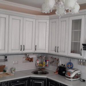 Классическая черно-белая кухня